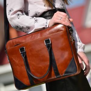 Велика жіноча шкіряна сумка