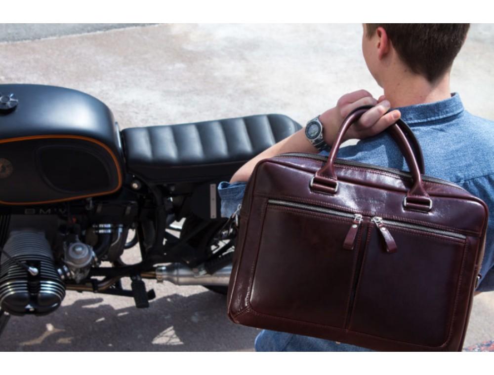 Как выбрать сумку в подарок мужчине: 7 основных правил
