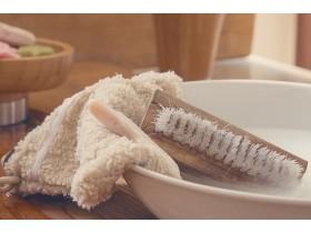 Чистка кожаных изделий: как почистить сумку в домашних условиях?
