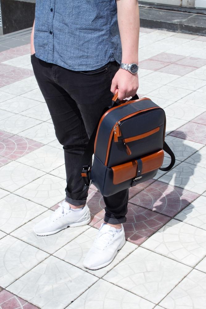ddaca47ed66a синий кожаный мужской рюкзак с коричневыми вставками issa hara